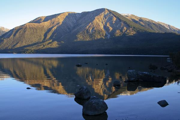 Mt_Robert_Lake_Rotoiti
